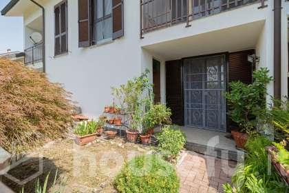 Casa en venta en Via Alberelle