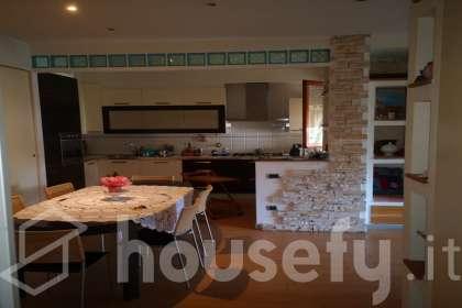 Appartamento in vendita a Viale Benedetto Croce