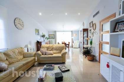 Casa en venta en Plaça Tirant lo Blanc