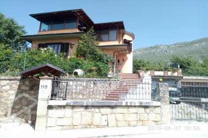 Casa in vendita a Via Ugo De Tiberis