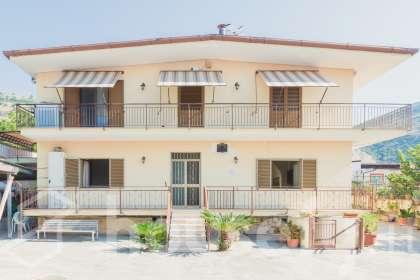 Appartamento in vendita a Via Riccio