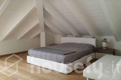 Appartamento in vendita a Via Novara