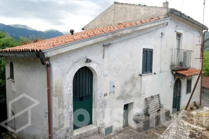 Casa in vendita a Via Trieste e Trento