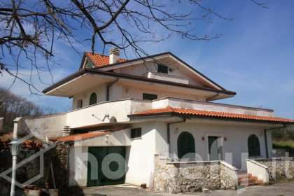 Casa en venta en via di serra comune