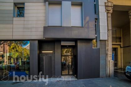 inmobiliaria housfy vende piso en Avenida Paral.lel