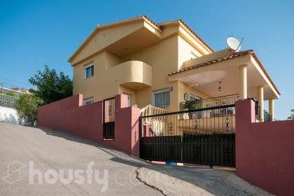 Casa en venta en Calle Concha Espina