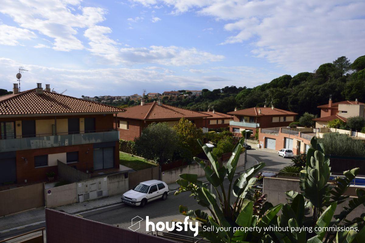 Venta de pisos de particulares en la ciudad de sant pol de for Pisos barcelona particulares
