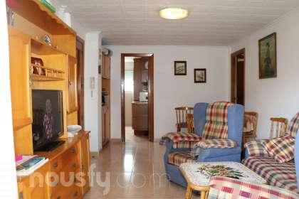 inmobiliaria housfy vende piso en Carrer de la Valldigna