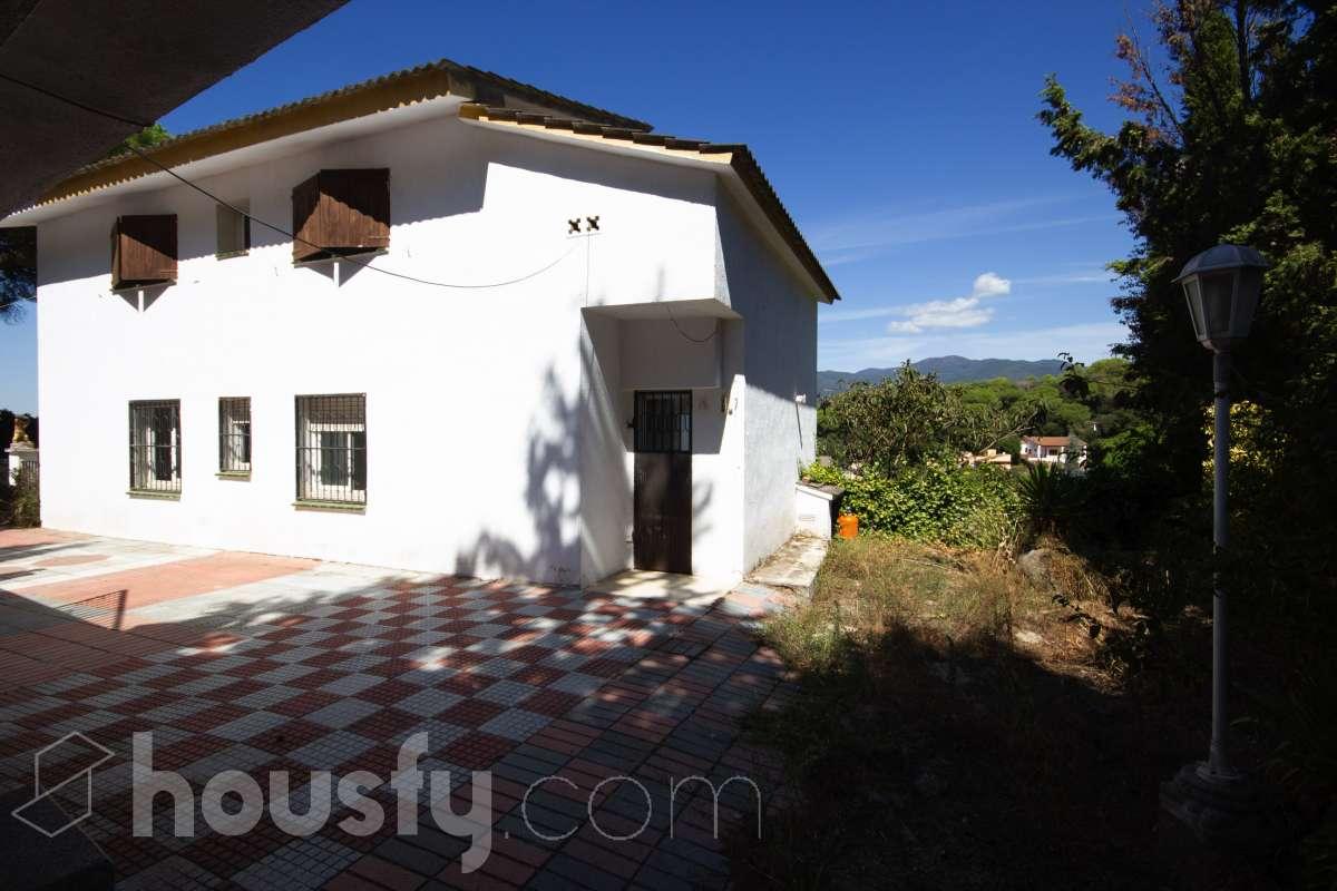 inmobiliaria housfy vende casa en Carrer Pinatell