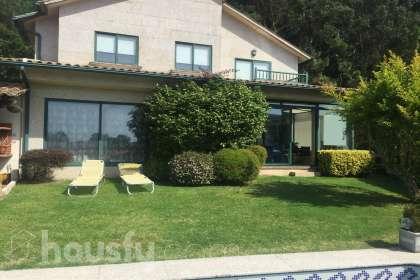 Casa en venta en Carretera Camposancos