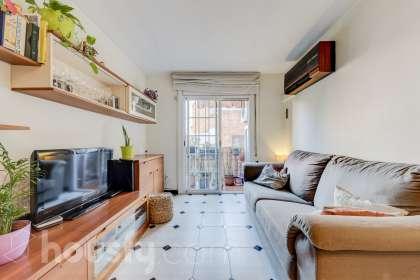 inmobiliaria housfy vende piso en Calle Aritjols
