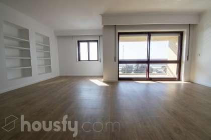 Apartamento para venda em Rua Sarmento Pimentel