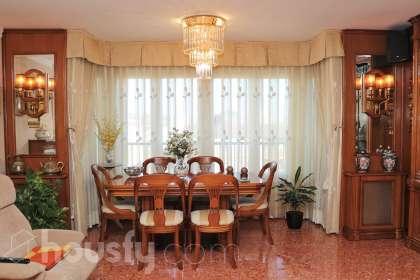 inmobiliaria housfy vende piso en Av. del Mestre Rodrigo