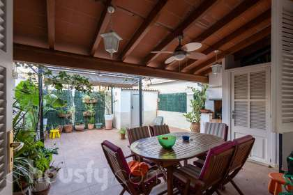 Casa en venta en Carrer de Matamusinos