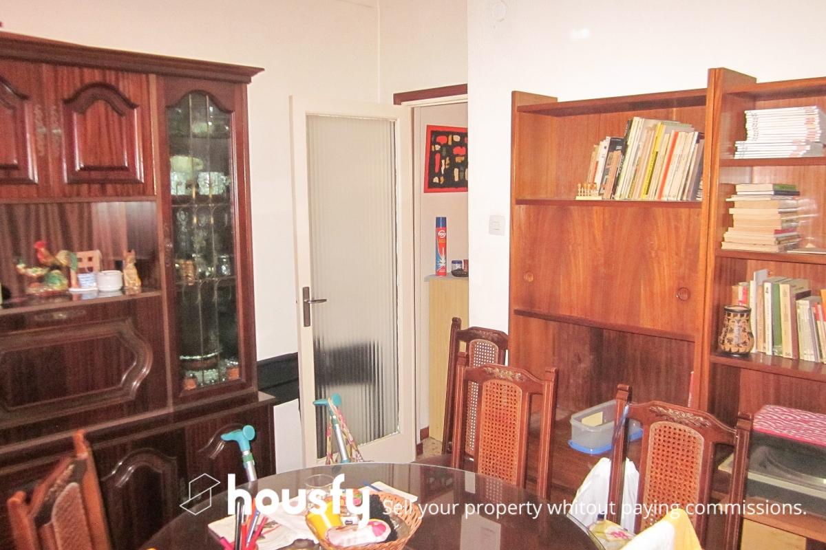Buscar y comprar piso de particulares en el baix guinard for Pisos barcelona particulares