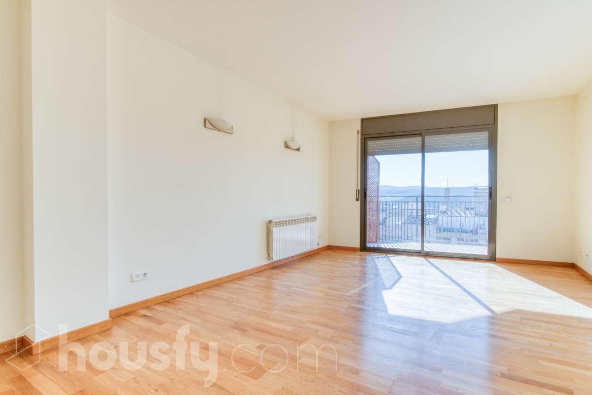 inmobiliaria housfy vende piso en AV BARCELONA