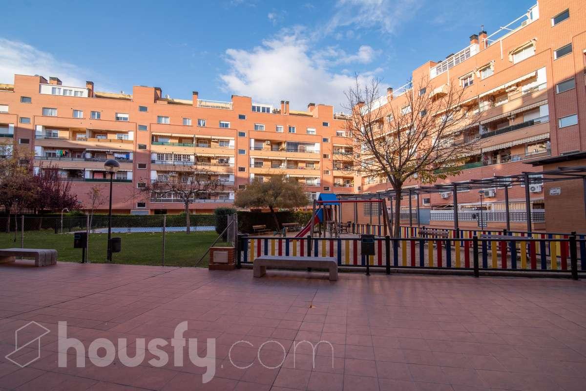 inmobiliaria housfy vende piso en Calle Villaverde