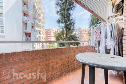 inmobiliaria housfy vende piso en Carrer de Torres Jordi