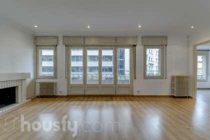 inmobiliaria housfy vende piso en Calle Travessera De Gracia