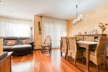 Casa en venta en Urbanització Els Pinars