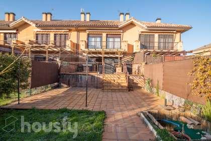 inmobiliaria housfy vende casa en Calle Autogiro