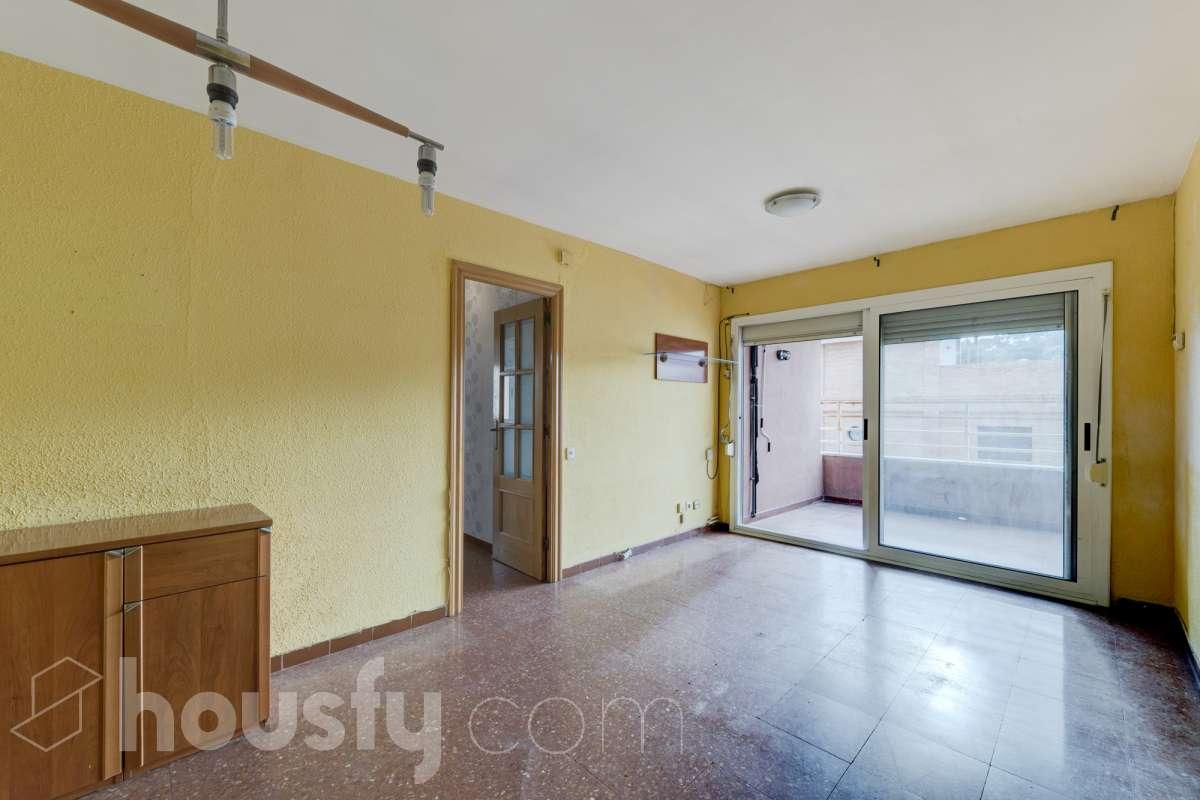 inmobiliaria housfy vende piso en Carrer Santes Creus