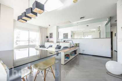 inmobiliaria housfy vende piso en Carrer d'Antich
