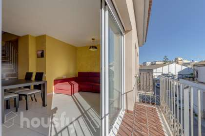 inmobiliaria housfy vende duplex en Calle Llimonet