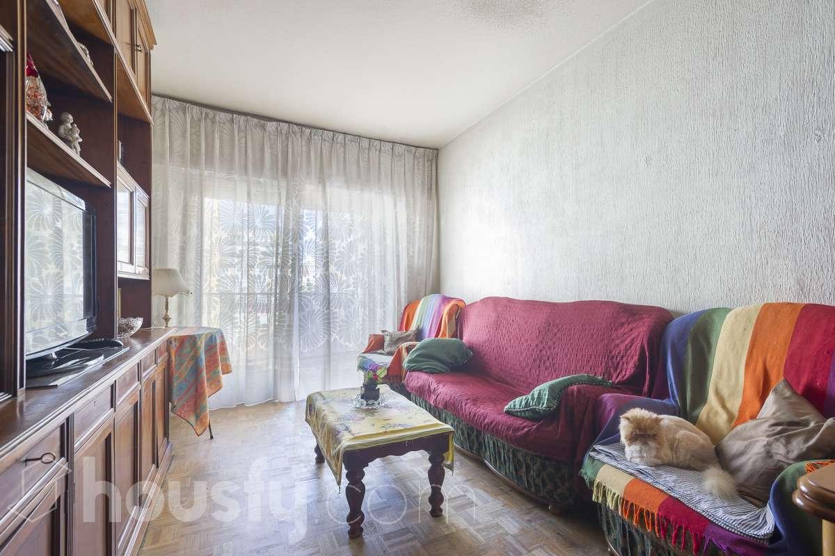 inmobiliaria housfy vende piso en Calle los Mesejo