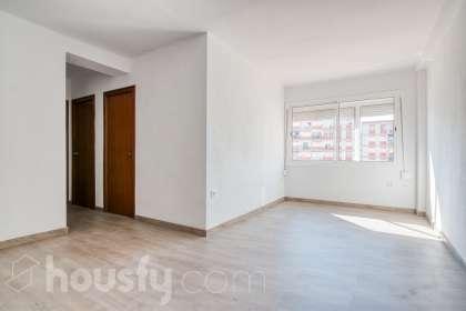 inmobiliaria housfy vende piso en Avinguda de Salou
