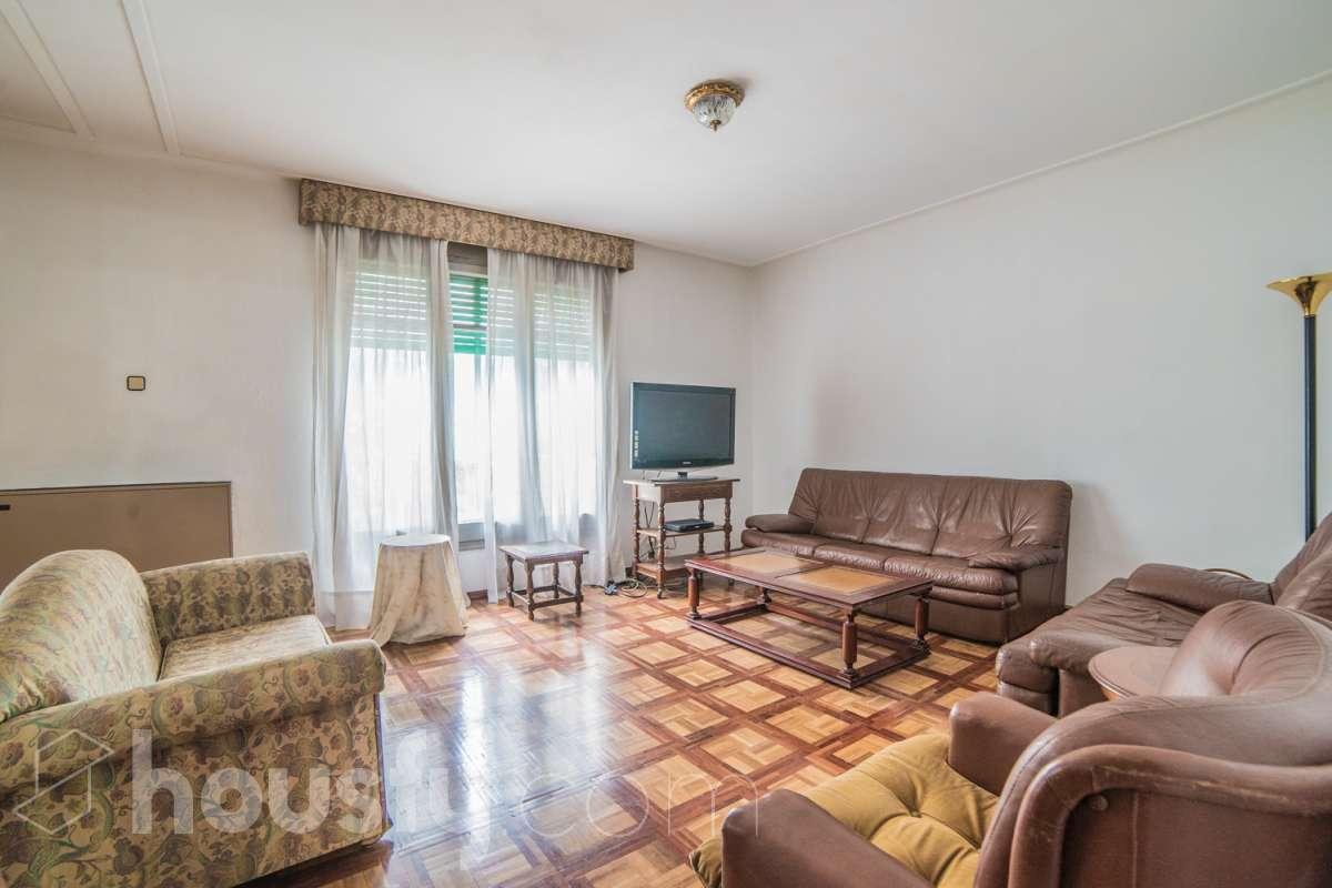 inmobiliaria housfy vende piso en Carrer de Numància