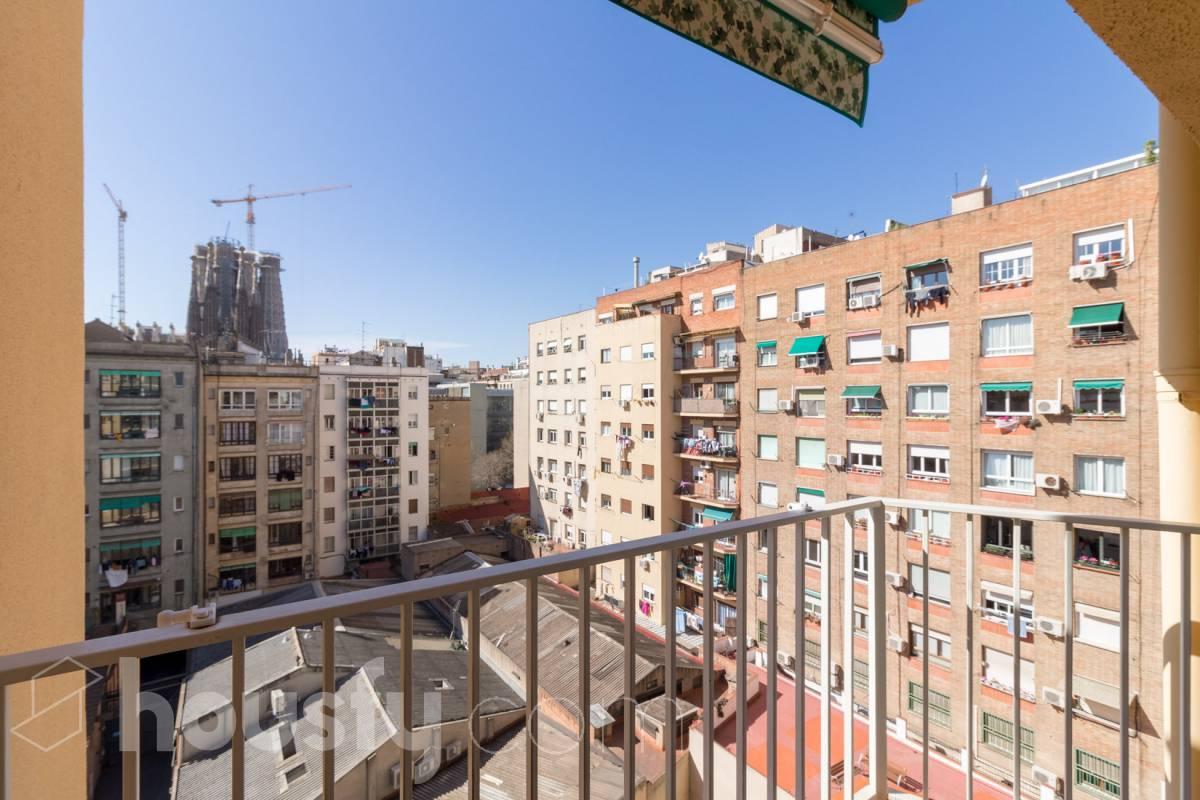 inmobiliaria housfy vende piso en Carrer de los Castillejos
