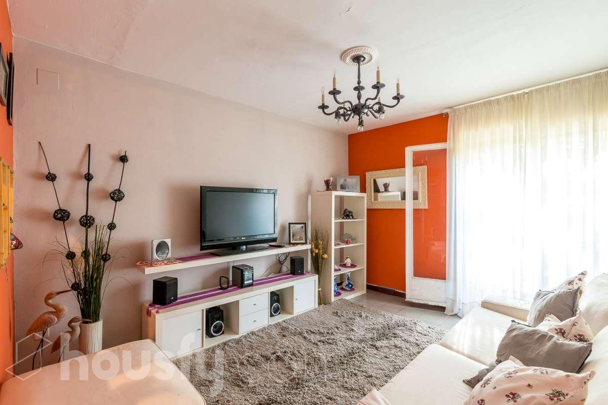 inmobiliaria housfy vende piso en Calle Clara Ayats