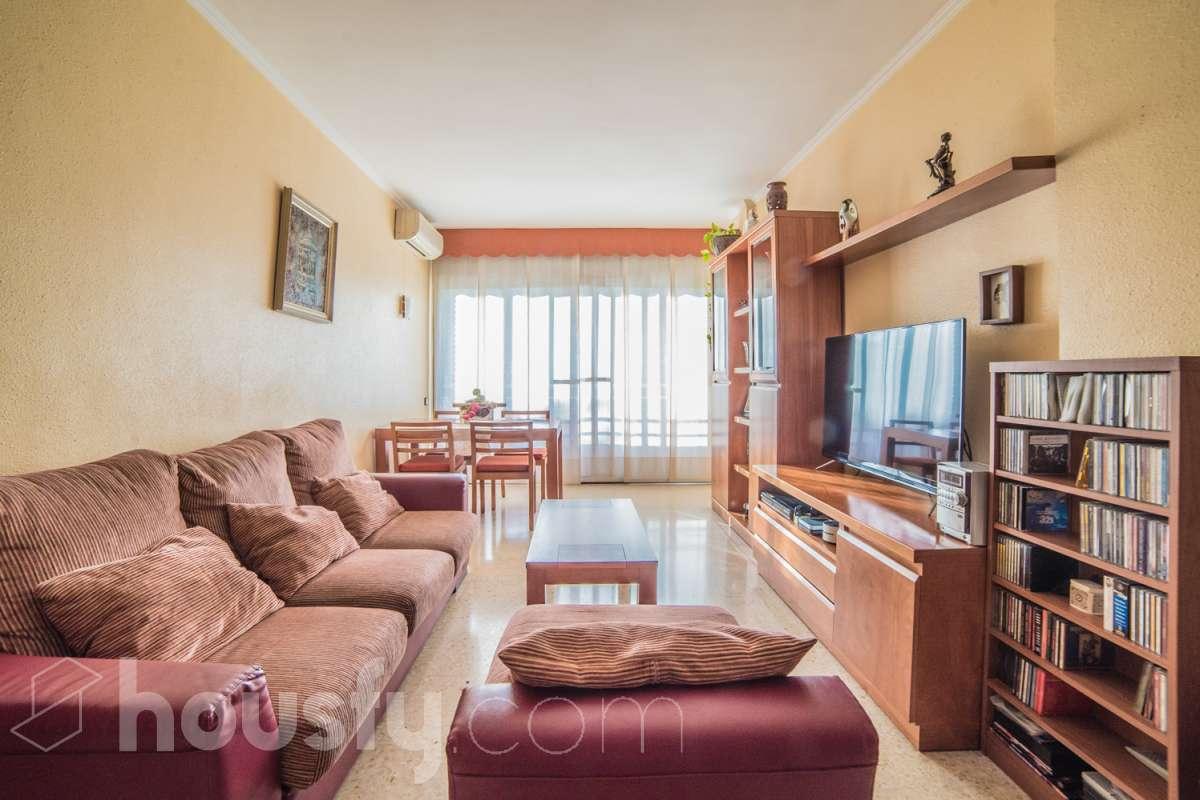 inmobiliaria housfy vende piso en Carrer de Huelva