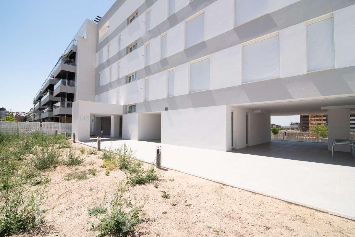 inmobiliaria housfy vende piso en Calle Gloria Fuertes