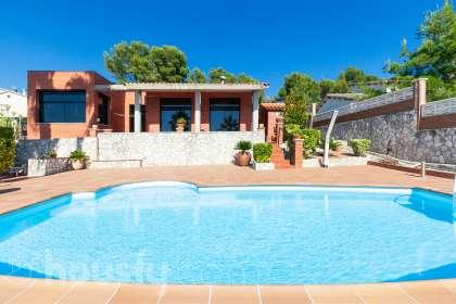 Casa en venta en Carrer Comte d'Urgell