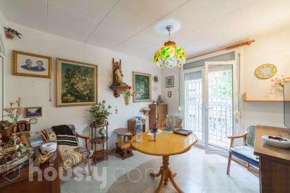 Casa en venta en Carrer d'Alloza