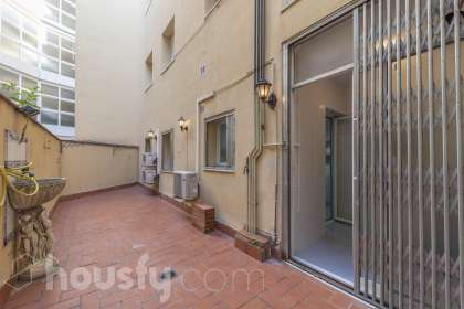Piso en venta en Carrer de Girona