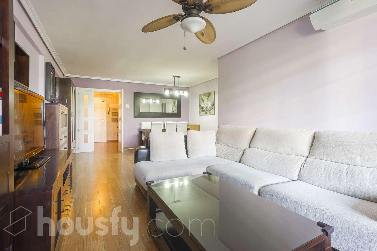 inmobiliaria housfy vende piso en Calle Hilados