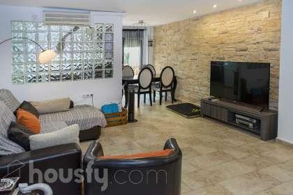 inmobiliaria housfy vende duplex en Calle San Rafael