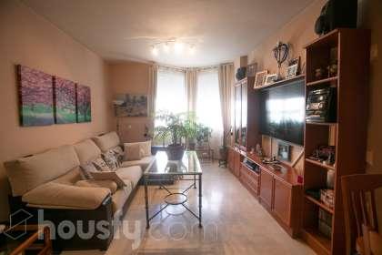 inmobiliaria housfy vende piso en Calle Chaparro