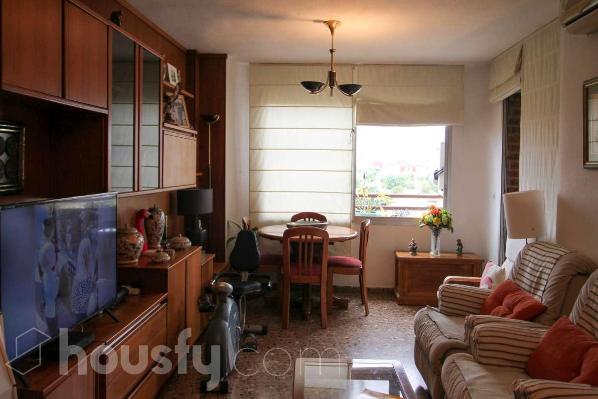 inmobiliaria housfy vende piso en Carrer d'Almudaina