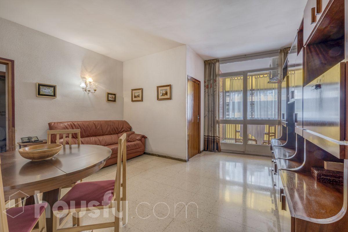 Buscar y comprar piso de particulares en la sagrera calle for Pisos barcelona particulares