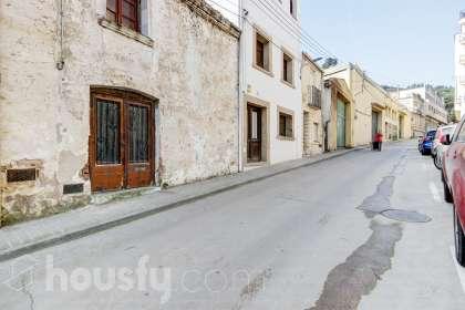 Casa en venta en Carrer Amadeu Vives
