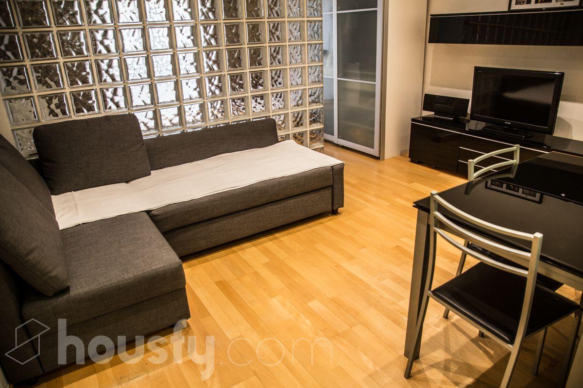 buscar y comprar piso de particulares en el raval calle carme ciutat vella housfy. Black Bedroom Furniture Sets. Home Design Ideas