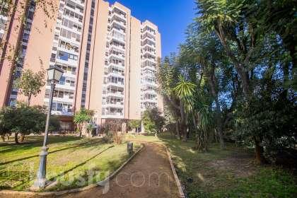 inmobiliaria housfy vende piso en Avenida Blas Infante