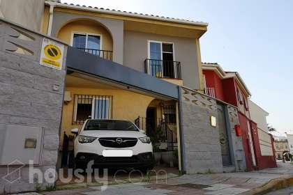 Casa en venta en Avenida de Las Abadias