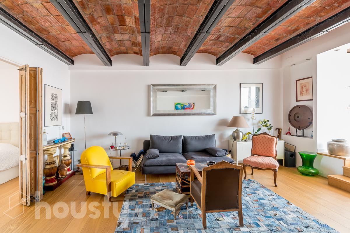 inmobiliaria housfy vende atico en Calle Provença
