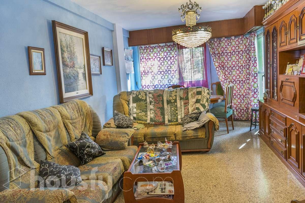 inmobiliaria housfy vende piso en Calle Gremis Dels