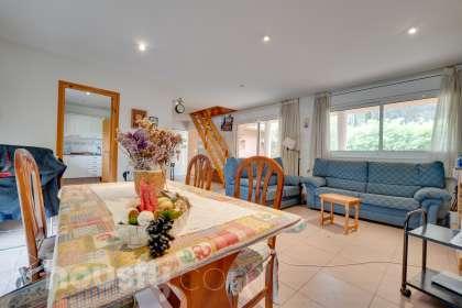 Casa en venta en Urbanitzacio de Can Reixac de Solius